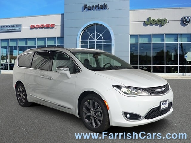 New 2019 Chrysler Pacifica LIMITED bright white clearcoat exterior black interior Stock C10465