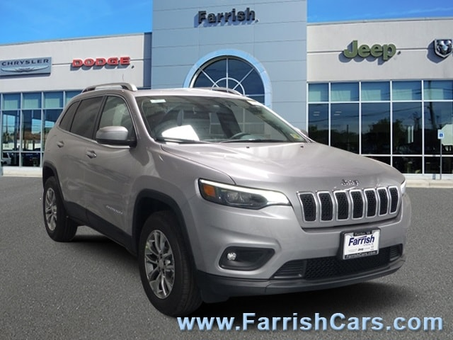 New 2019 Jeep Cherokee LATITUDE PLUS 4X4 billet silver metallic exterior black interior 0 miles