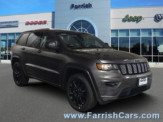 New 2019 Jeep Grand Cherokee ALTITUDE 4X4 crystal metallic exterior black interior Stock 33073