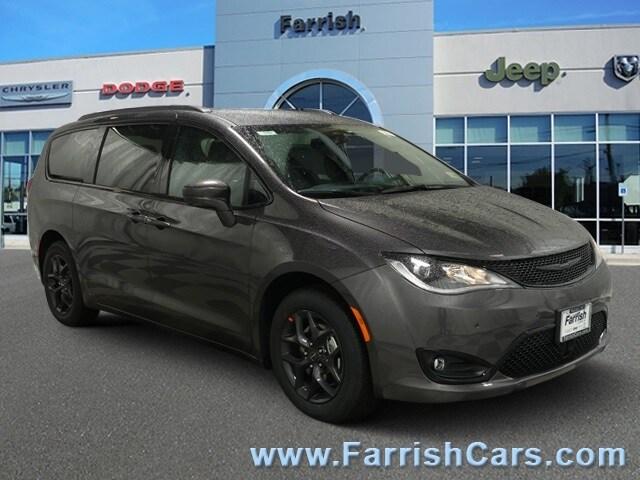 New 2019 Chrysler Pacifica TOURING L PLUS crystal metallic exterior blackblackblack interior 0
