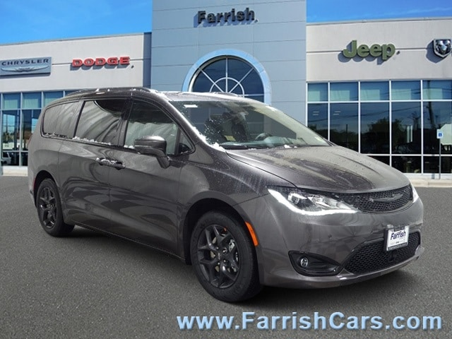 New 2019 Chrysler Pacifica LIMITED crystal metallic exterior blackblackblack interior 0 miles
