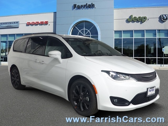 New 2019 Chrysler Pacifica LIMITED bright white clearcoat exterior blackblackblack interior Sto