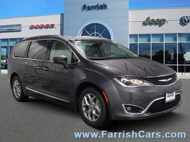 New 2019 Chrysler Pacifica TOURING L PLUS crystal metallic exterior blackalloy interior 0 miles