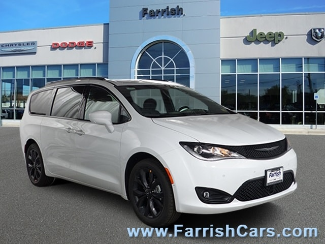 New 2019 Chrysler Pacifica TOURING L bright white clearcoat exterior blackblackblack interior 0