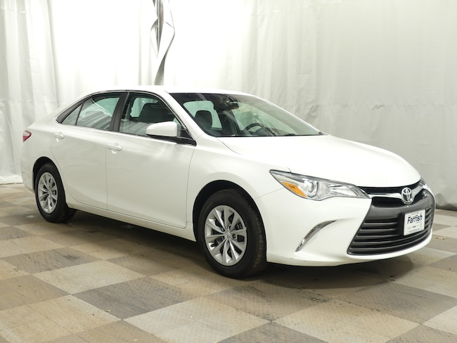 Used 2016 Toyota Camry LE ash interior 30496 miles Stock S19076A VIN 4T4BF1FK4GR538081