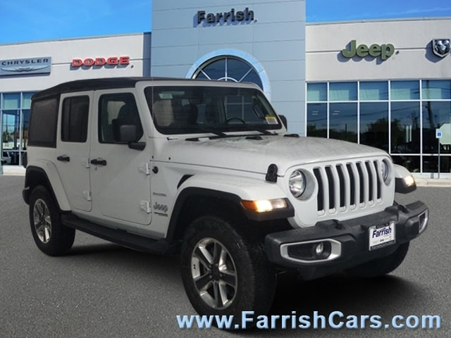 New 2018 Jeep Wrangler UNLIMITED SAHARA 4X4 bright white clearcoat exterior black interior Stock
