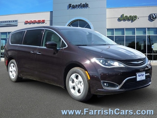 New 2018 Chrysler Pacifica Hybrid TOURING PLUS cordovan exterior black interior 0 miles Stock C