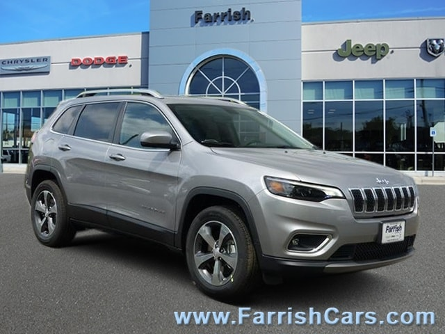 New 2019 Jeep Cherokee LIMITED 4X4 billet silver metallic exterior black interior Stock 32603 V