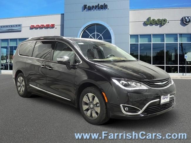 New 2019 Chrysler Pacifica Hybrid LIMITED deep mochablackdp mocha interior 0 miles Stock C1052