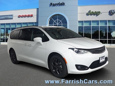 New 2018 Chrysler Pacifica LX jazz blue pearlcoat exterior blackalloy interior VIN 2C4RC1CG7JR1