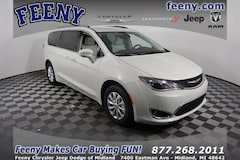 2019 Chrysler Pacifica TOURING L Passenger Van For Sale in Midland, MI