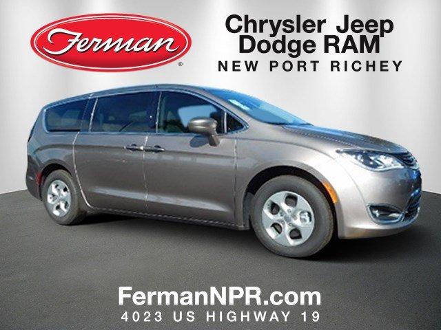 2018 Chrysler Pacifica Hybrid TOURING PLUS Passenger Van
