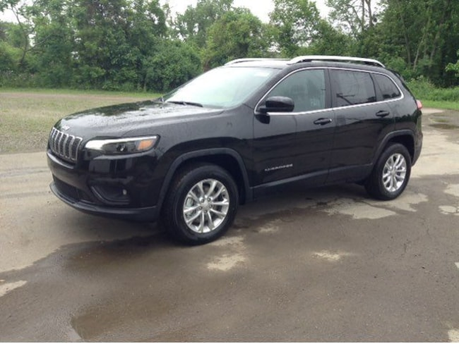 New 2019 Jeep Cherokee LATITUDE 4X4 Sport Utility Elmira, NY