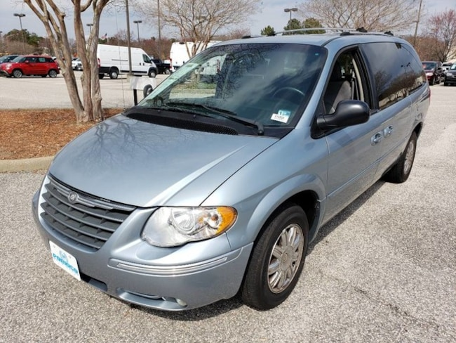 2005 Chrysler Town & Country Limited Van