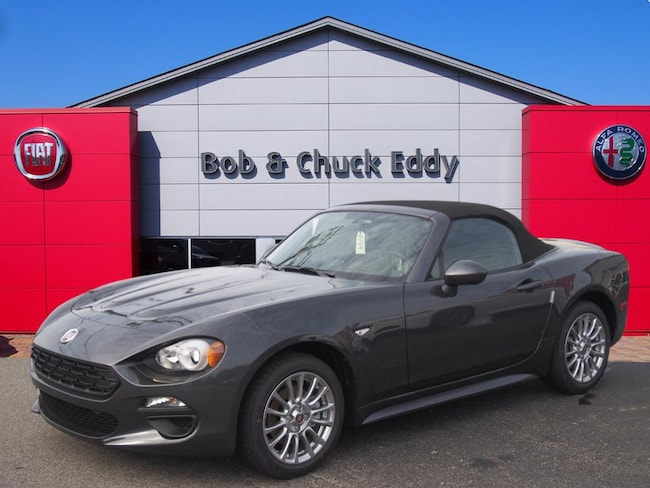 New 2017 FIAT 124 Spider CLASSICA Convertible in Youngstown, OH