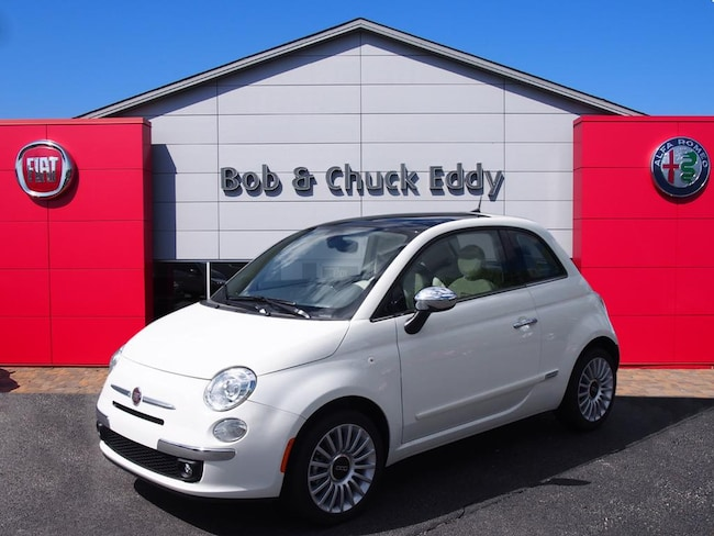 New 2017 FIAT 500 LOUNGE Hatchback in Youngstown, OH