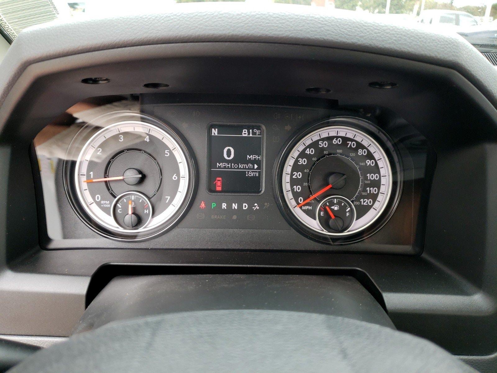 2019 Ram 1500 Classic TRADESMAN REGULAR CAB 4X2 8' BOX