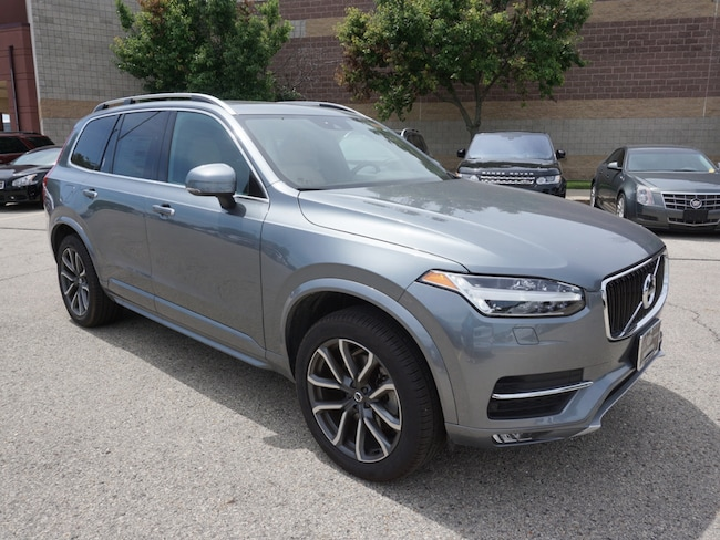 used 2018 Volvo XC90 T6 AWD Momentum (7 Passenger) SUV in madison wi