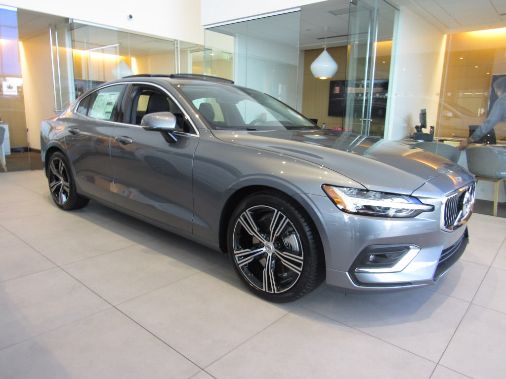 Featured new 2019 Volvo S60 T6 Inscription Sedan for sale in Waukesha, WI