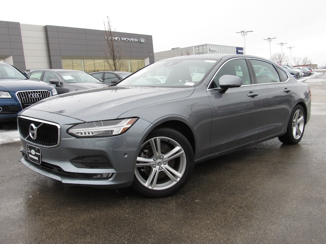 certified pre owned 2018 Volvo S90 T5 AWD Momentum Sedan in Madiscon WI