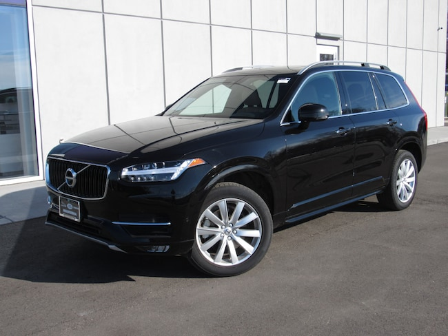 Pre-Owned 2018 Volvo XC90 T6 AWD Momentum (7 Passenger) SUV For Sale in Waukesha, WI