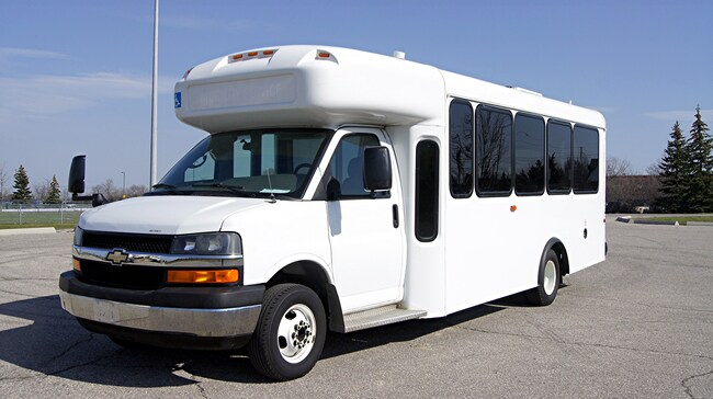 2011 Chevrolet Express 4500 BUS * ARBOC DIESEL * G4500 * WHEELCHAIR LIFT Commercial