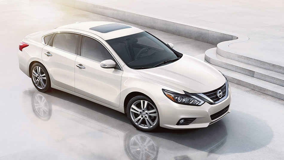 2017 Nissan Altima near Albuquerque Offers Safety and Peace of Mind