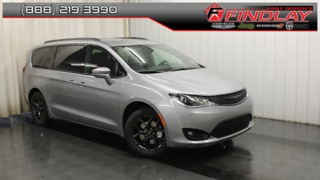 New 2019 Chrysler Pacifica TOURING L Passenger Van For Sale/Lease Findlay, OH