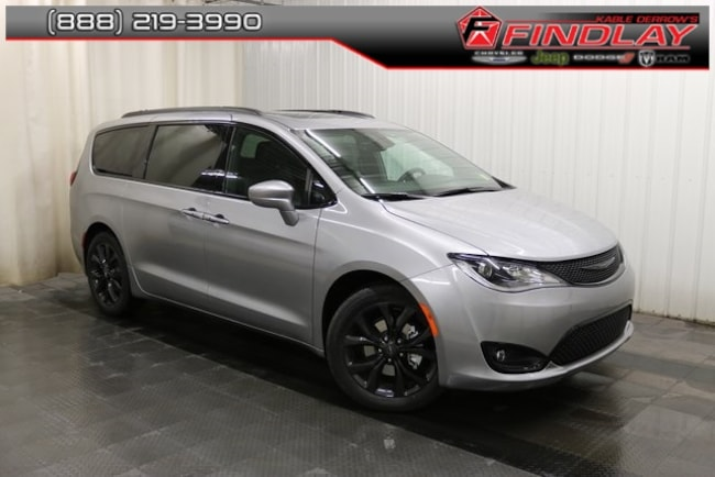 New 2019 Chrysler Pacifica TOURING L PLUS Passenger Van For Sale/Lease Findlay, OH