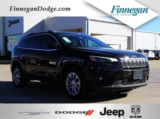 New 2019 Jeep Cherokee LATITUDE PLUS FWD Sport Utility ET1732 Only @ Finnegan! Call 281-342-9318 to Reserve This One!