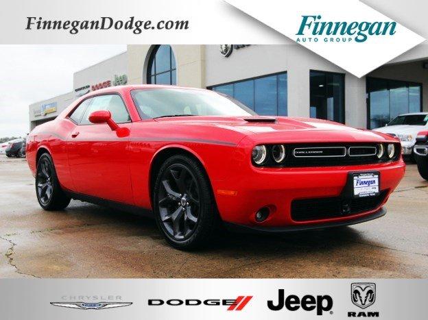 2018 Dodge Challenger SXT PLUS Coupe