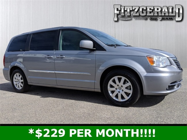 2014 Chrysler Town & Country Touring Van in Fitzgerald