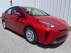 New 2019 Toyota Prius L Hatchback for Sale in Chambersburg PA