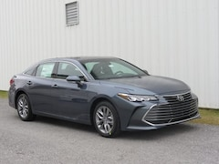New 2019 Toyota Avalon XLE Sedan for Sale in Chambersburg PA