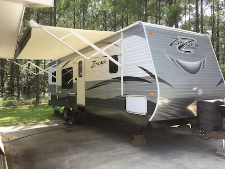 2016 CROSSROADS ZINGER Travel Trailer