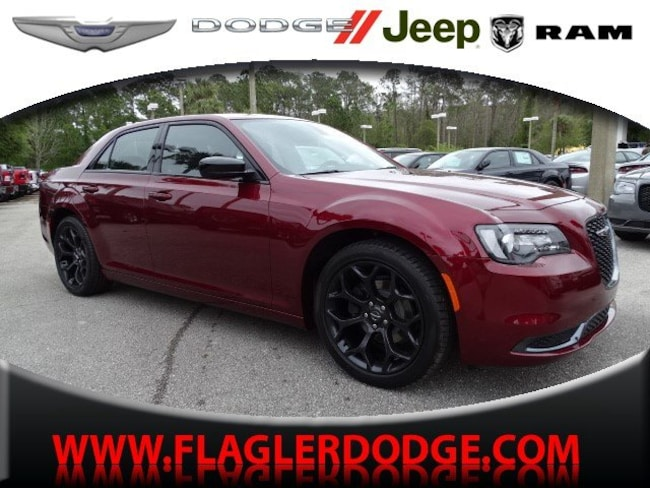 New 2019 Chrysler 300 TOURING Sedan for sale/lease Palm Coast, FL