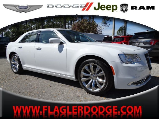 New 2019 Chrysler 300 TOURING L Sedan for sale/lease Palm Coast, FL