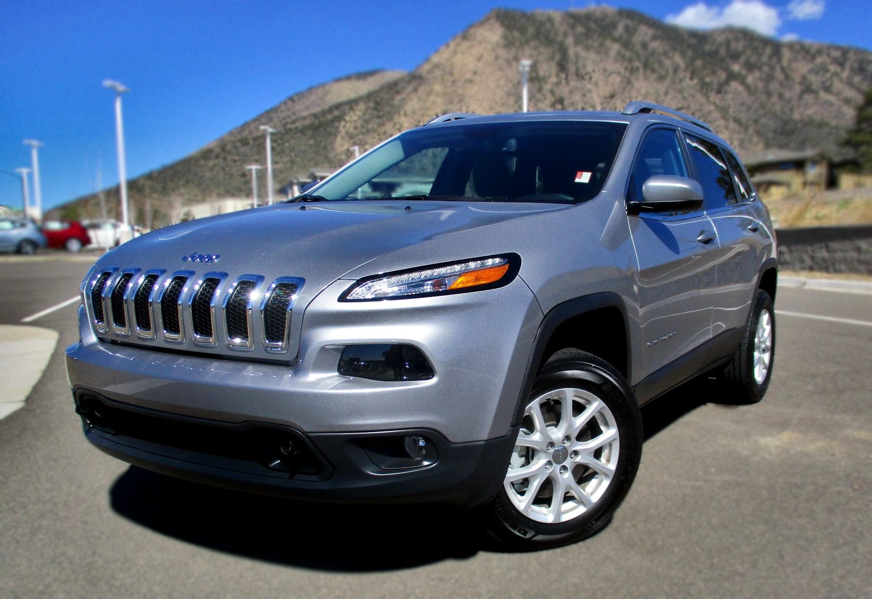 Used 2018 Jeep Cherokee Latitude Plus 4WD w/Lifetime Powertrain Warranty Latitude Plus 4x4 Flagstaff, AZ