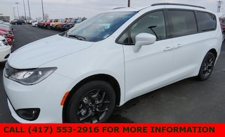 New 2019 Chrysler Pacifica TOURING L Passenger Van 2C4RC1BG7KR575445 for sale in Joplin, MO