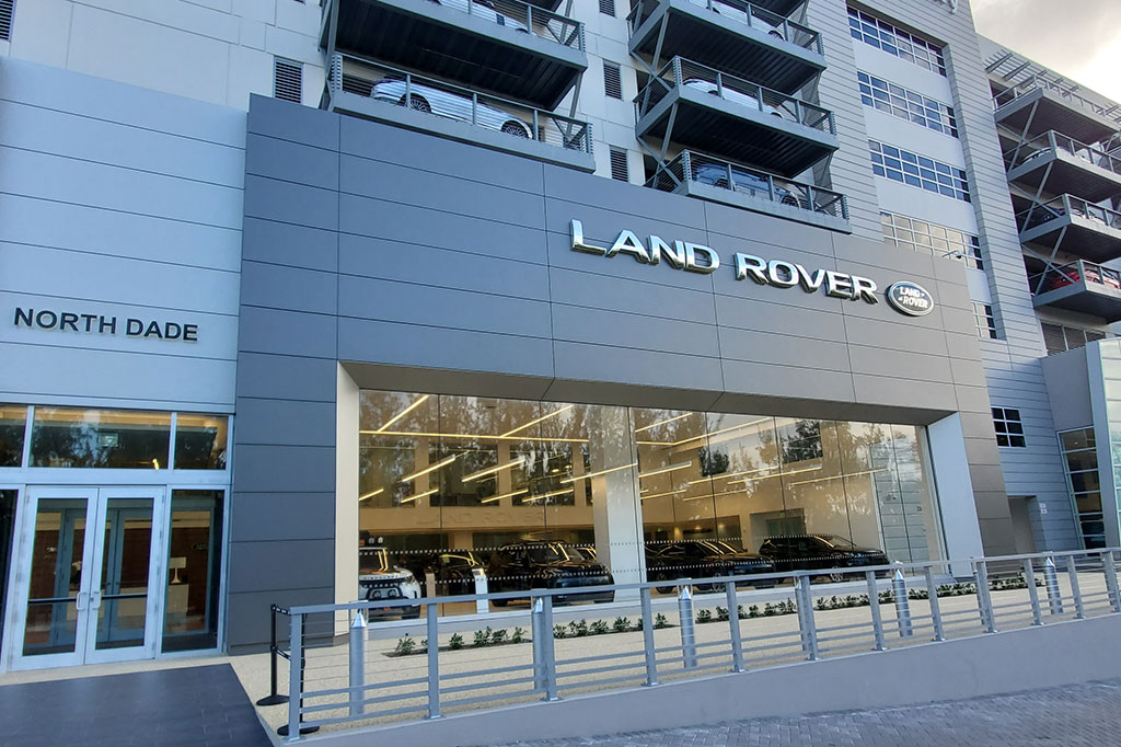 Land Rover North Dade