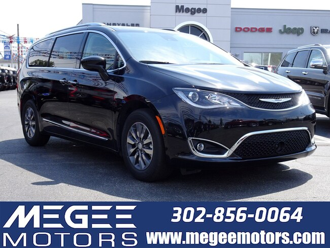 New 2019 Chrysler Pacifica TOURING L PLUS Passenger Van Georgetown