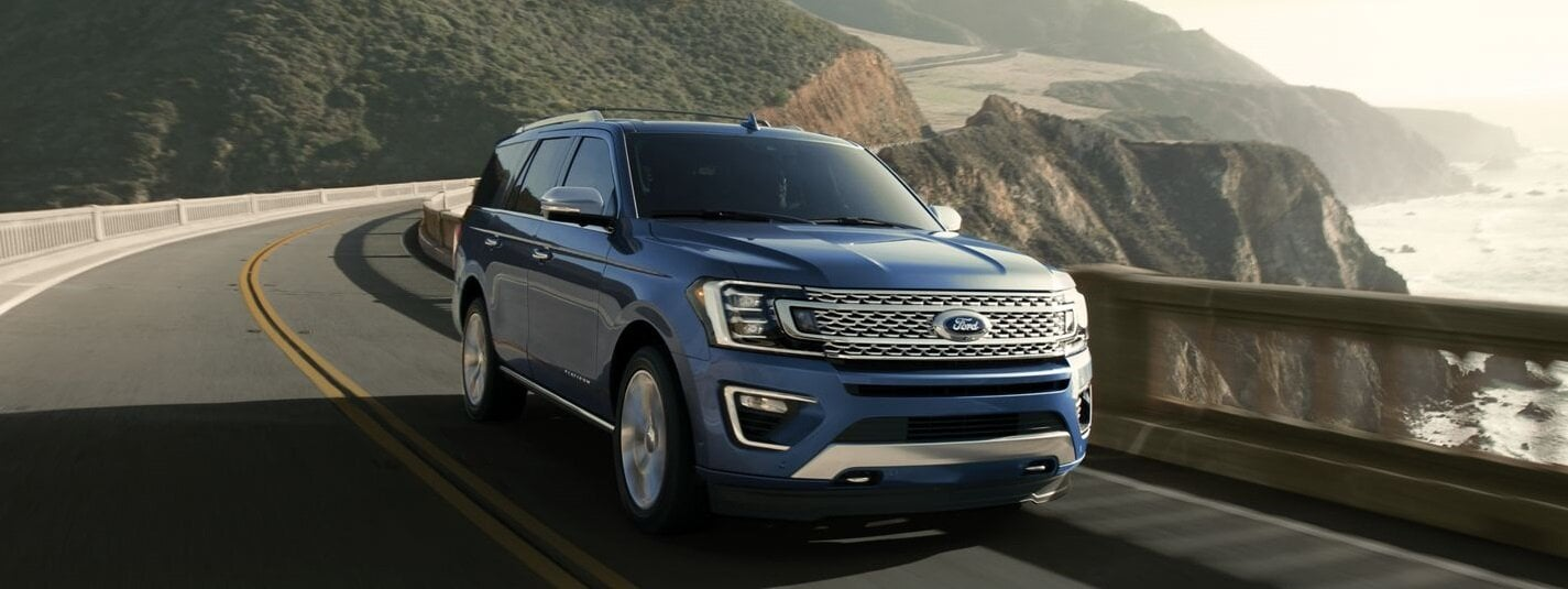 Blue 2019 Ford Expedition Cruising