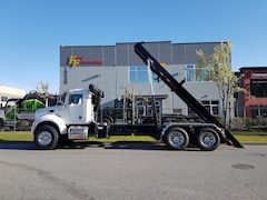 2020 PETERBILT 348 30 Ton Roll Off System