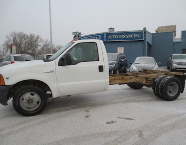 2005 Ford F-350 XL DUALLY CAN AND CHASSIS Truck Regular Cab