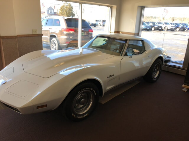 1975 Chevrolet Corvette Stingray L48 T-Top Coupe