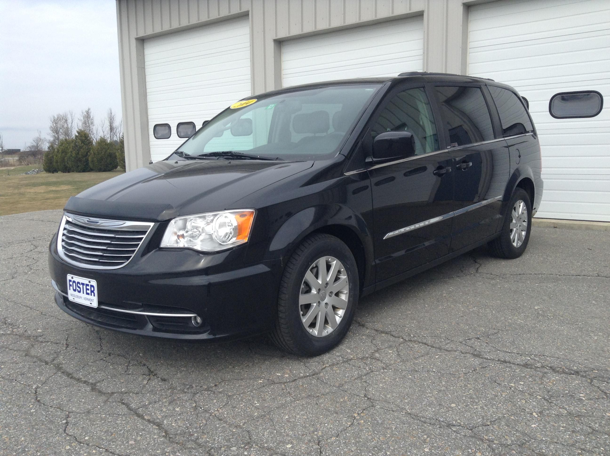 2014 Chrysler Town & Country Touring 7 Passenger Minivan