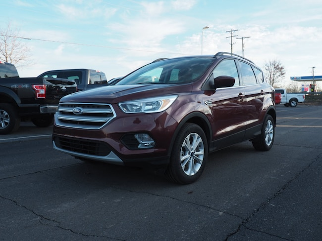 Used 2018 Ford Escape SE SUV near Howell