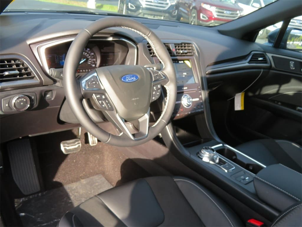 New 2019 Ford Fusion For Sale at Fox Grand Traverse Ford | VIN:  3FA6P0VP9KR103082