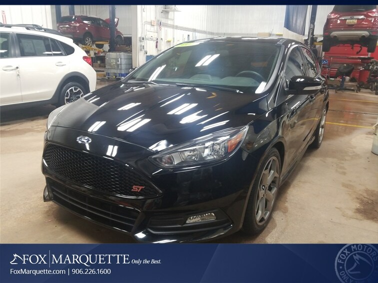Certified Pre-Owned 2017 Ford Focus ST Hatchback n Marquette