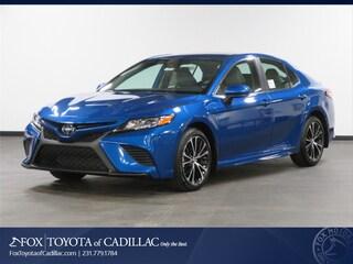 New 2019 Toyota Camry SE Sedan T2848 in Cadillac, MI